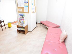中台寿一歯科医院 待合室
